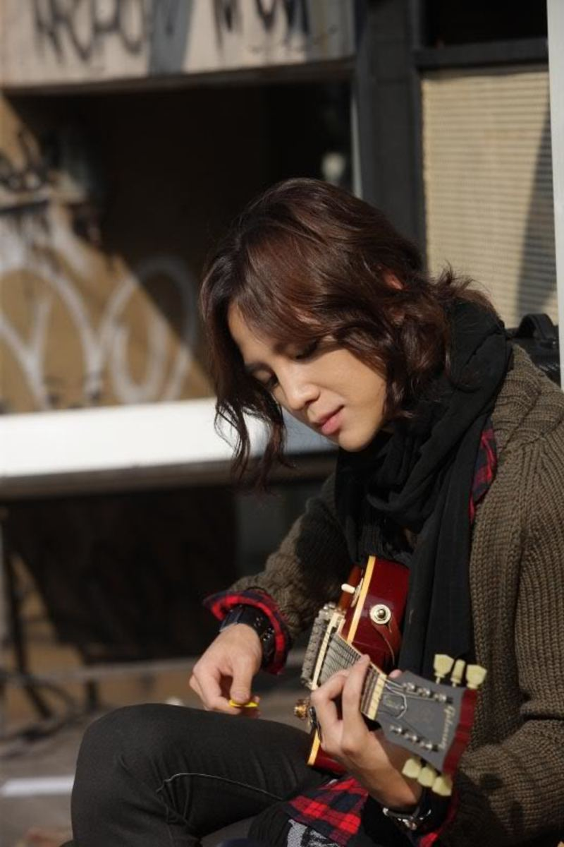 "Jang Keun Suk as an Indie singer in Korean drama series, ""Mary Stayed Out All Night"", or ""Mary, Marry me"""