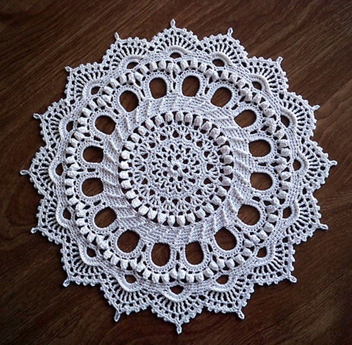 SPLENDID Doily by Patricia Kristoffersen