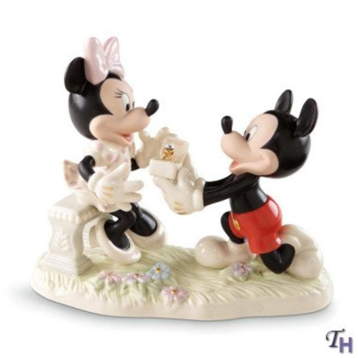 Will you marry me? Mickey to Minnie proposal