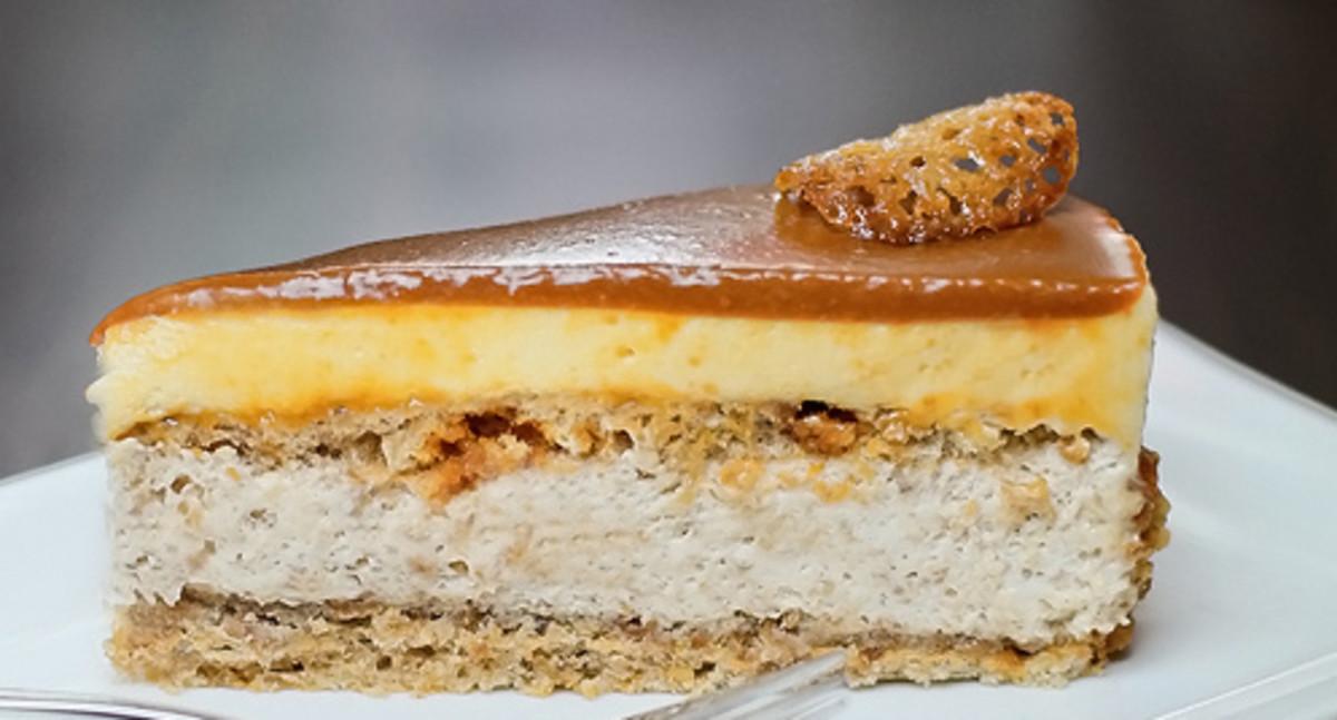 Milota honey-brittle cake