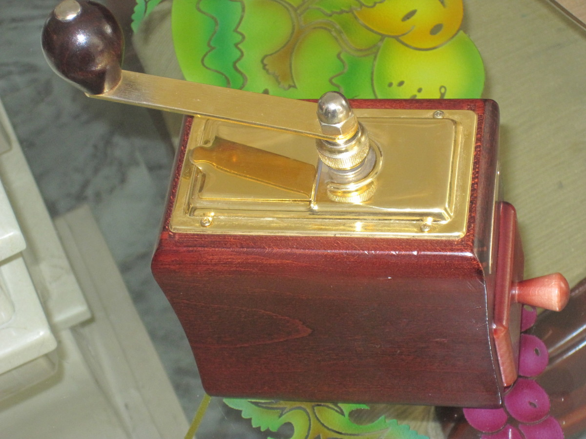 Coffee grinder used to grind the mangosteen and the guanabana