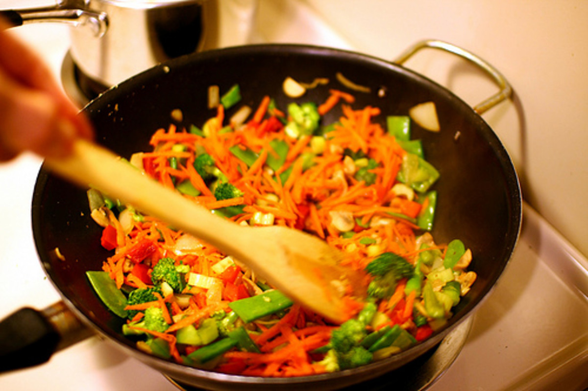 This vegetable stir fry is perfect as a bed for your glazed chicken breast.