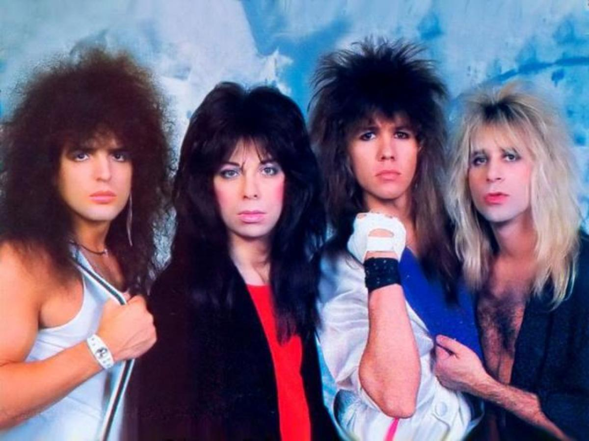 Vinnie Vincent Invasion (Slaughter and Strum on far right)