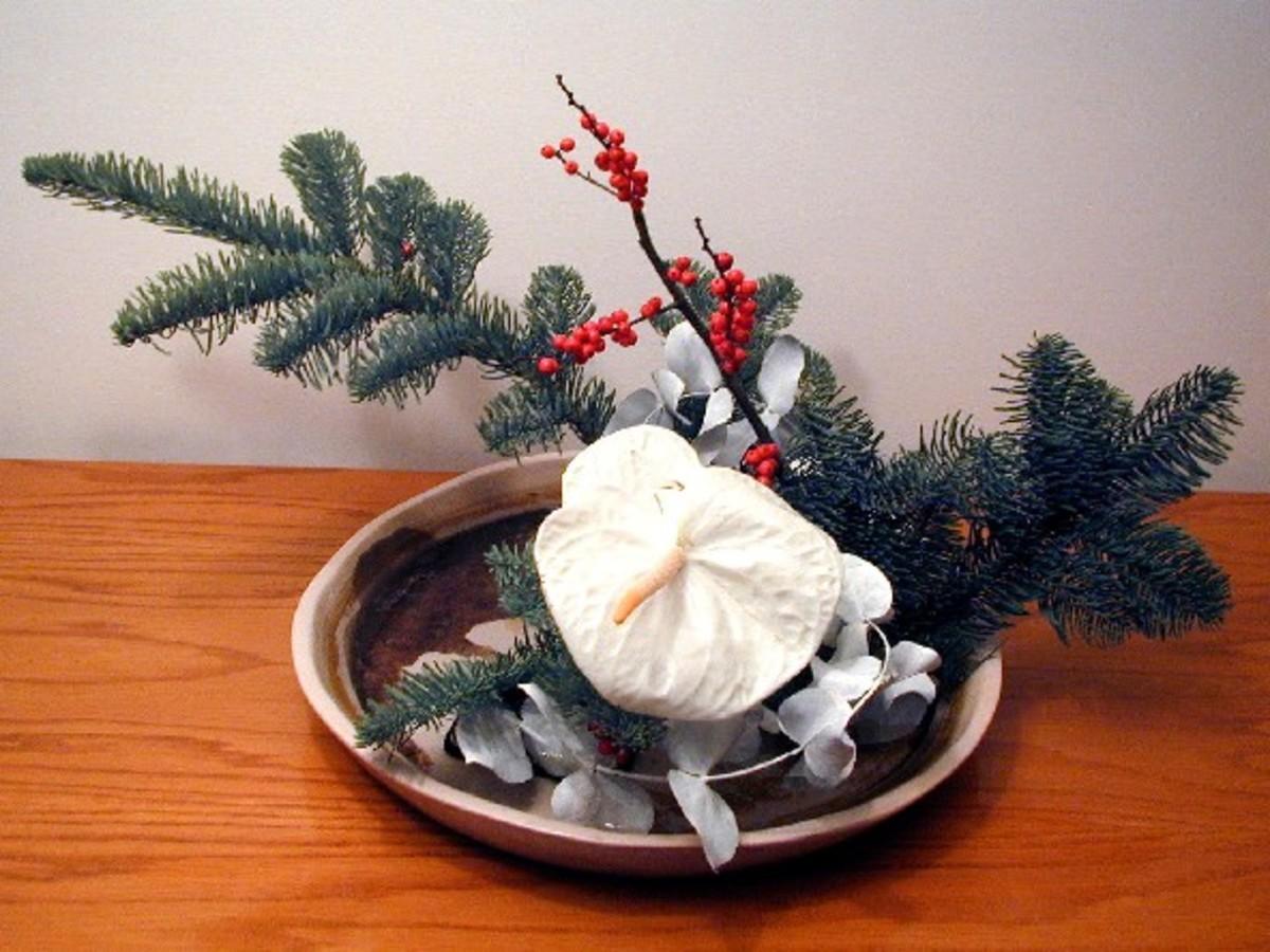 A winter ikebana arrangement. See the three lines?
