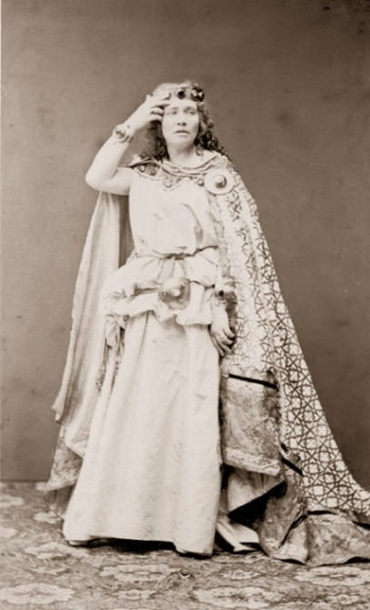 Photograph of Malvina Schnorr von Carolsfeld as Wagner's Isolde