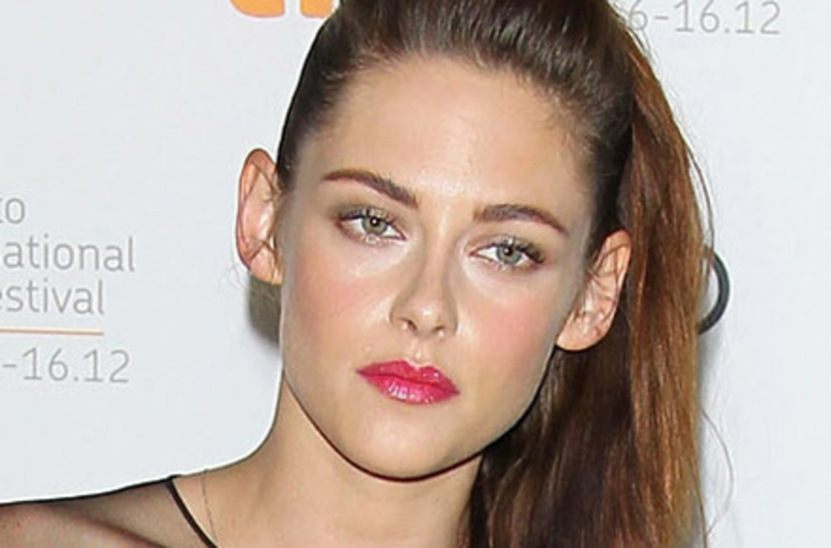 Kristen looked nothing but in pain & contrite during her first public appearance after the scandal at TIFF.