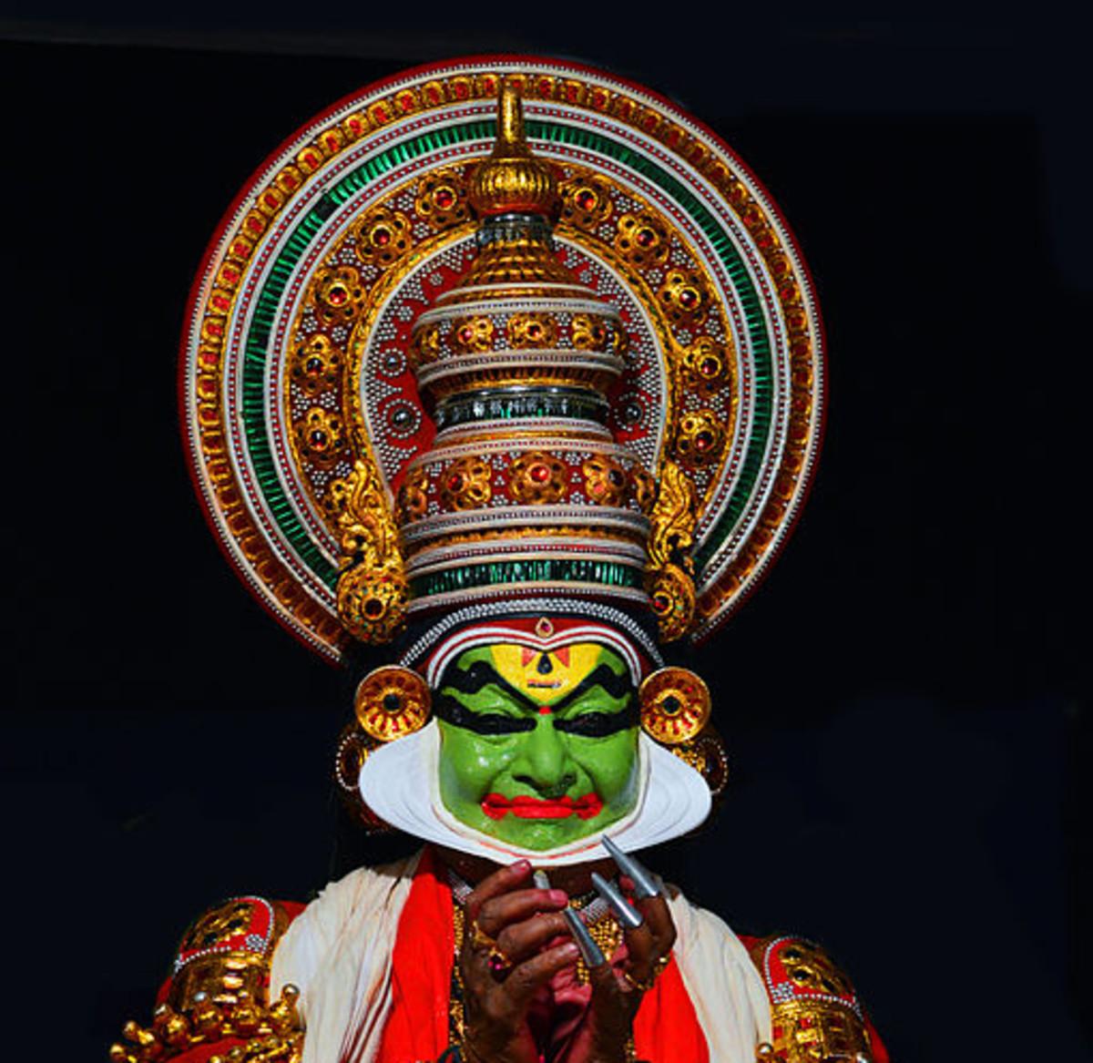 Kalamandalam Gopi  performs  in Nalacharitham