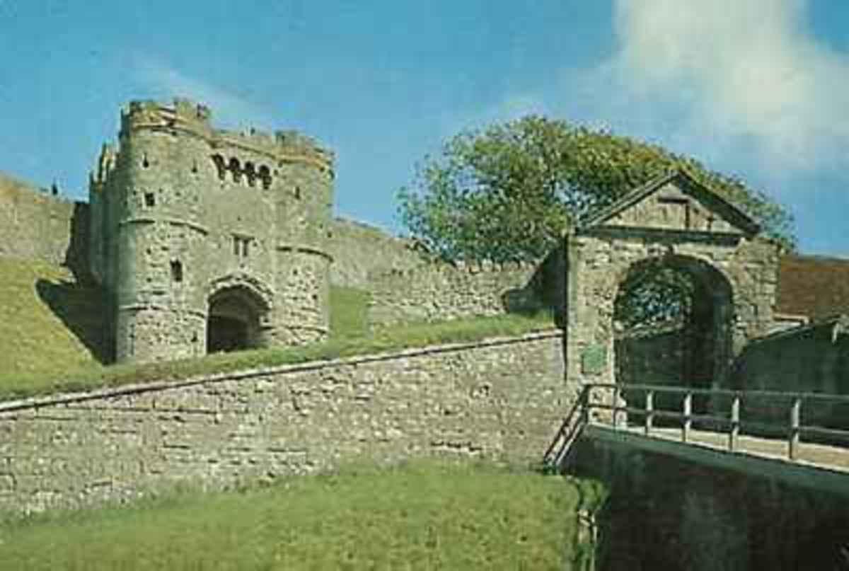 Carisbrooke Castle gateway
