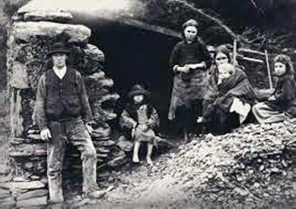 Itinerant workers struggling to feed their family due to the Irish potato famine of the 19th century.