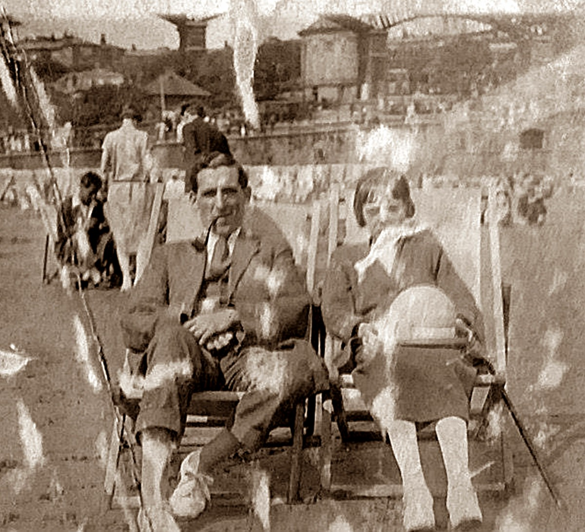 Grandad's older brother Arthur and his wife Elsie in happier times, enjoying a day on the beach in the early 1930s.
