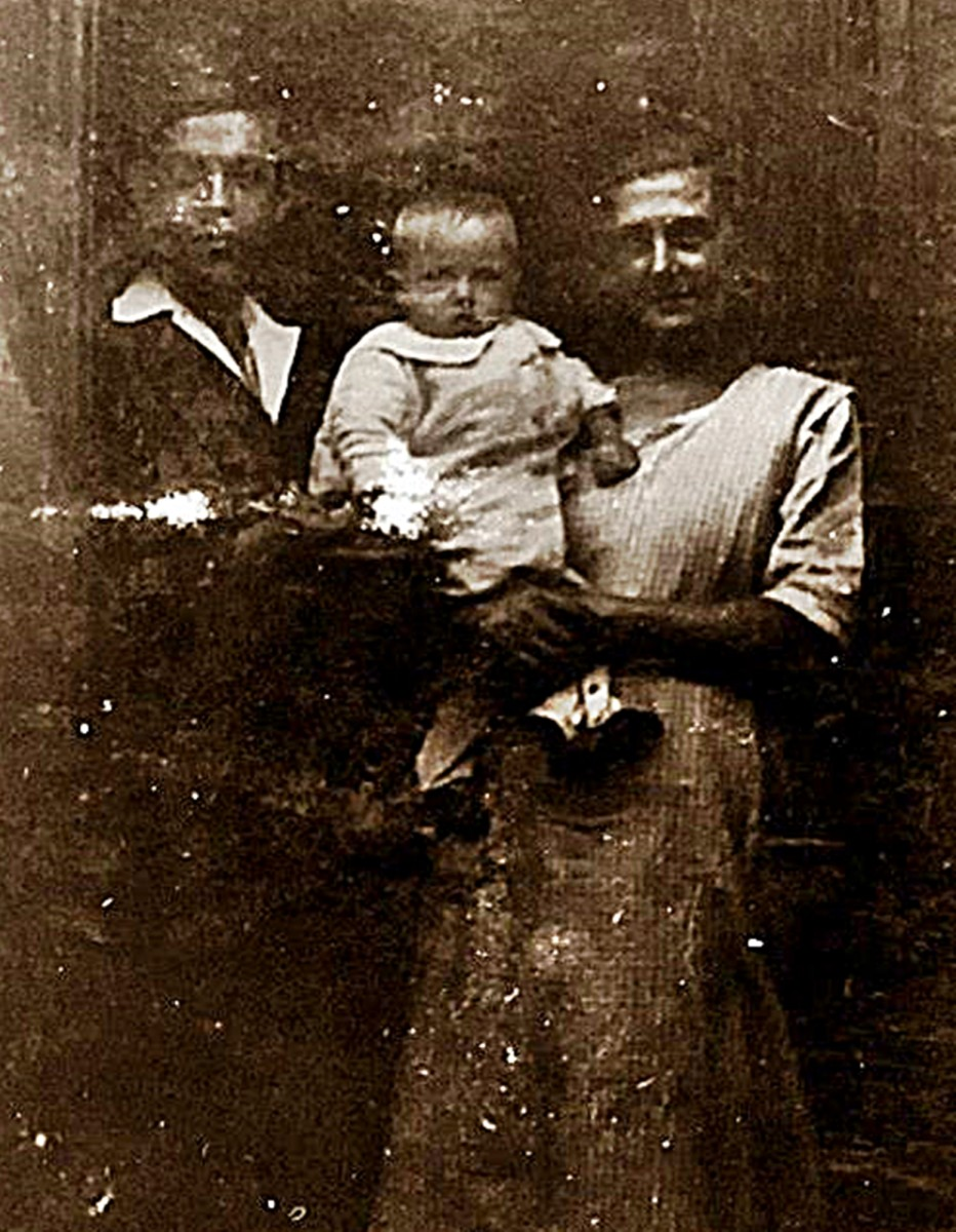 My Great Great Aunt Mary (Grandad Frank Trigg's aunt) in the early 1900s. The young man on the left was her son, Tom, who was in the Navy but who died in the 1914-18 war aged only 16.