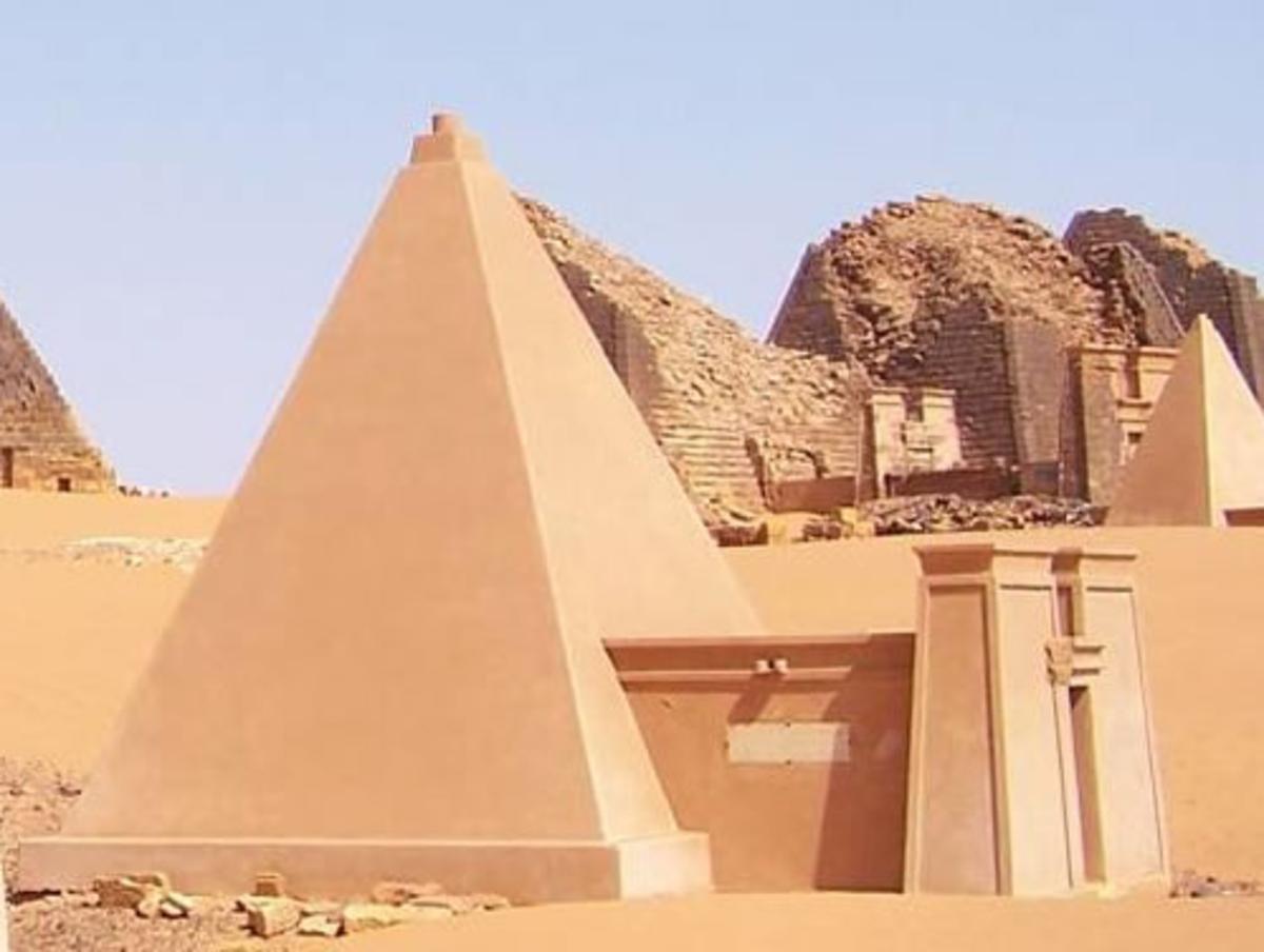 Kush pyramids at Moroe