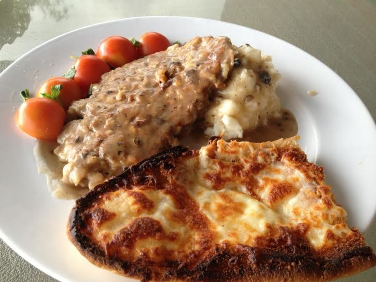 Serve your cube steaks and creamy mushroom gravy with homemade mashed potatoes and a salad with a large piece of bread for any excellent dinner any day of the week.