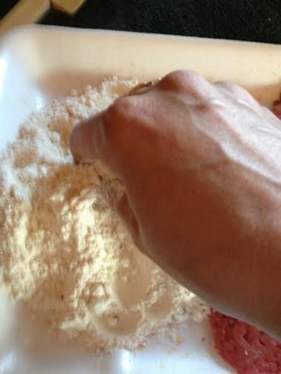 Mix the seasoning into to flour until it is completely combined.