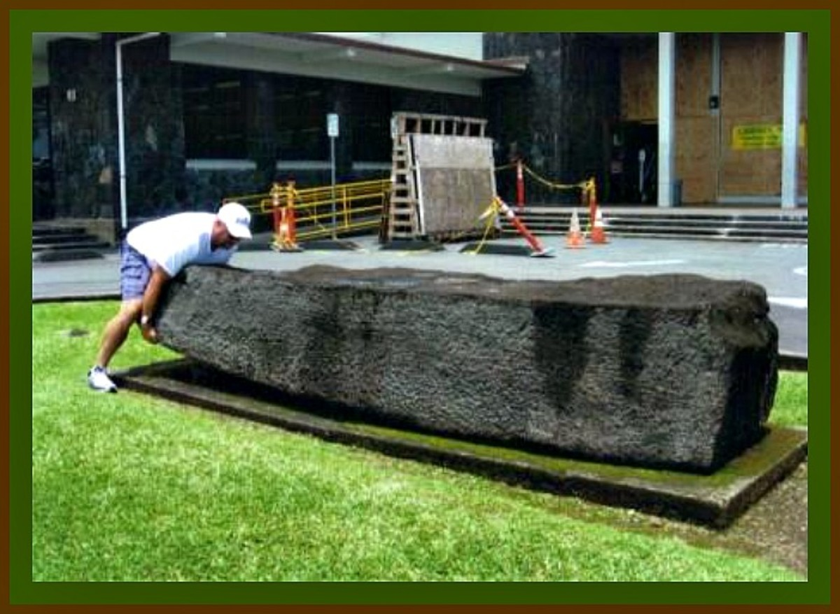Kamehameha overturned the huge and sacred Naha Stone, which reportedly weighed around three tons it is still in Hilo and can be seen their to this day.