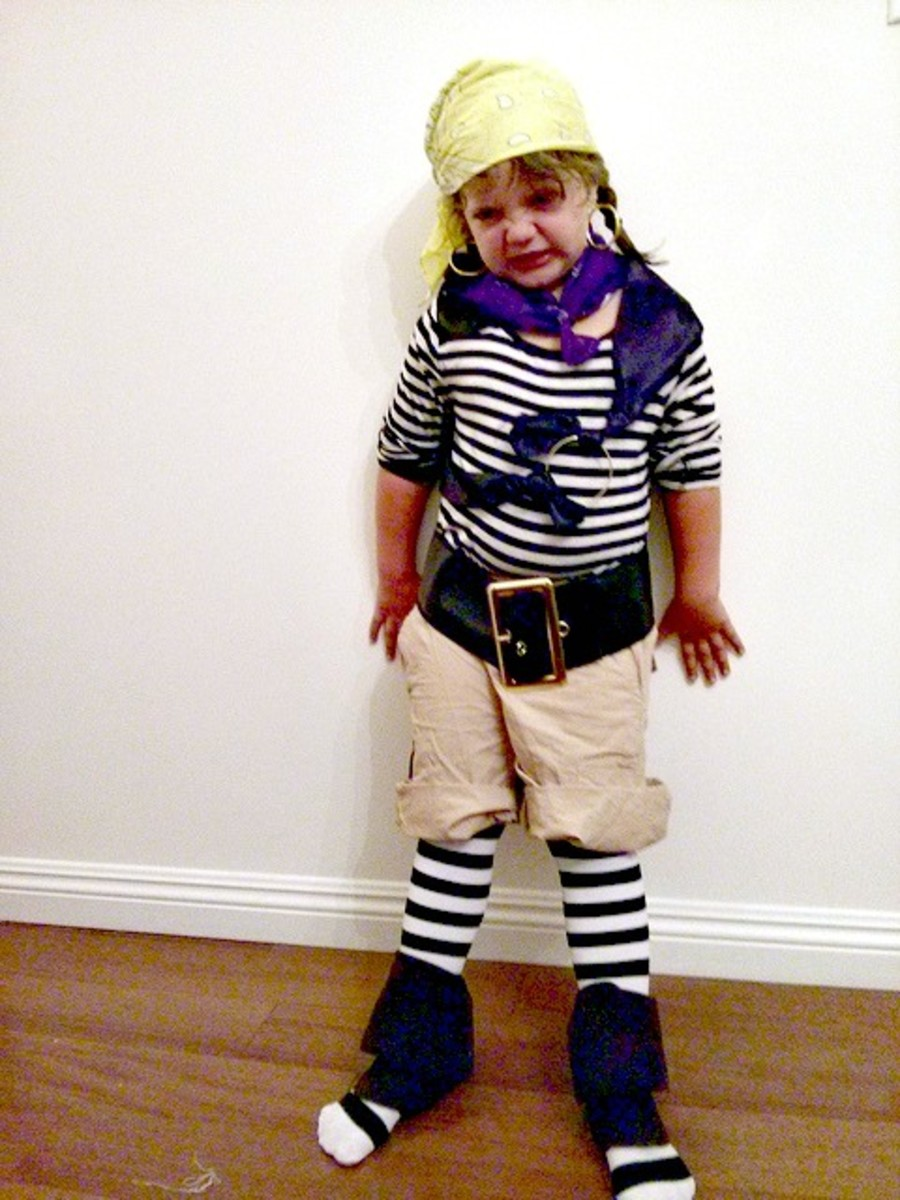 Make a simple pirate costume for a child