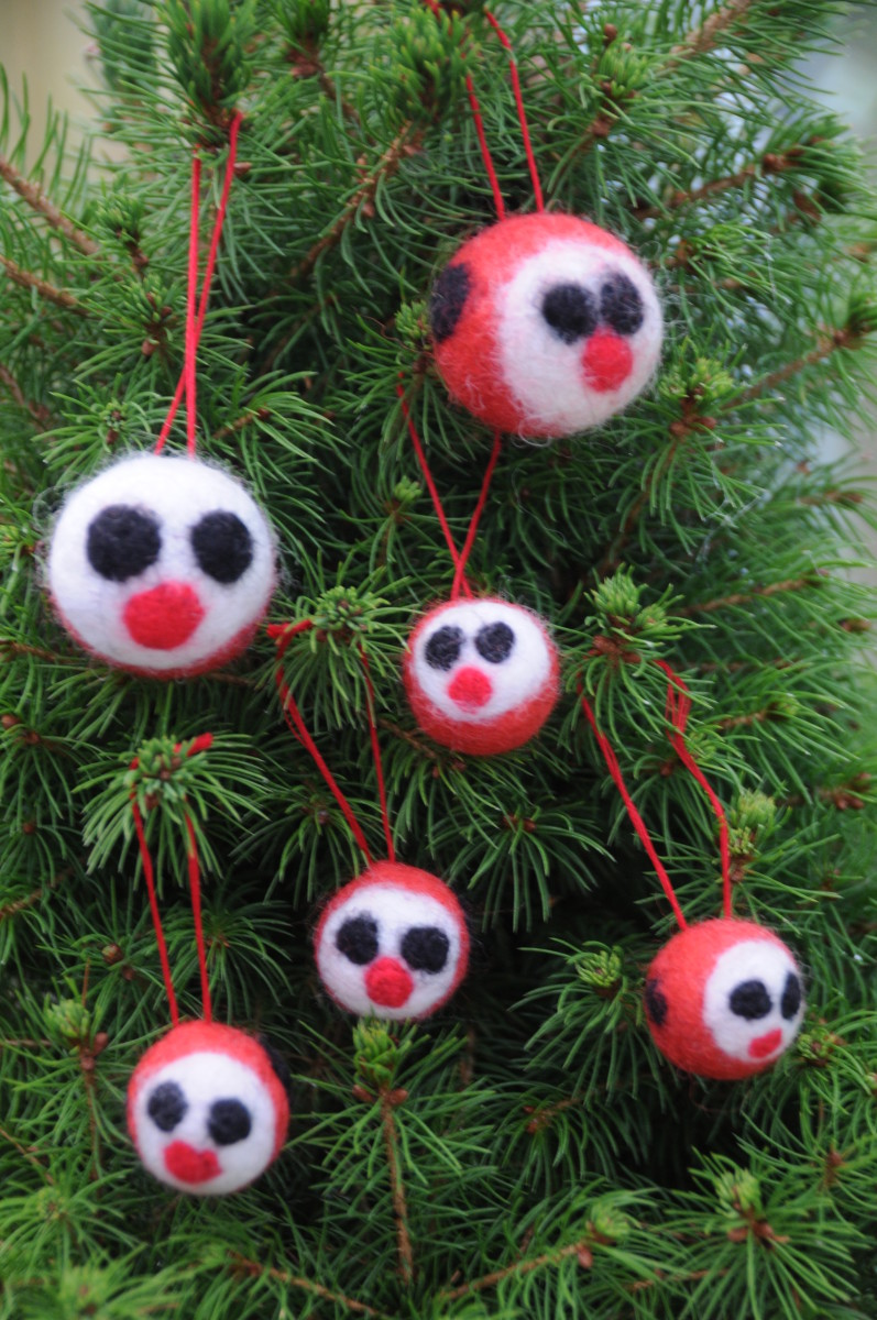 Little ladybirds on a Christmas tree