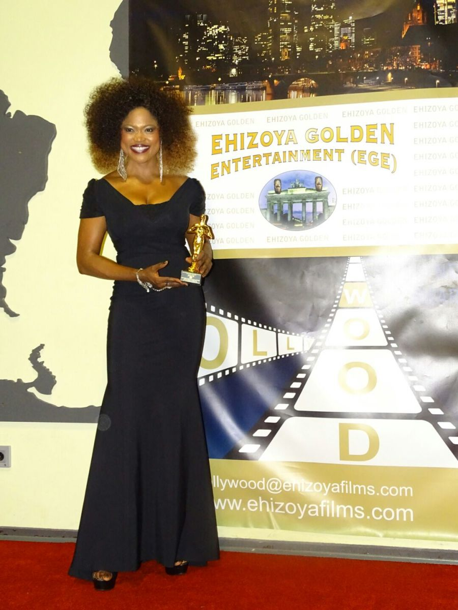 In addition to Hosting the Nollywood Awards, Queen Blessing received the prestigious, Cross-Cultural Actress-Author Award at the 2015 Award show in Frankfurt, Germany.