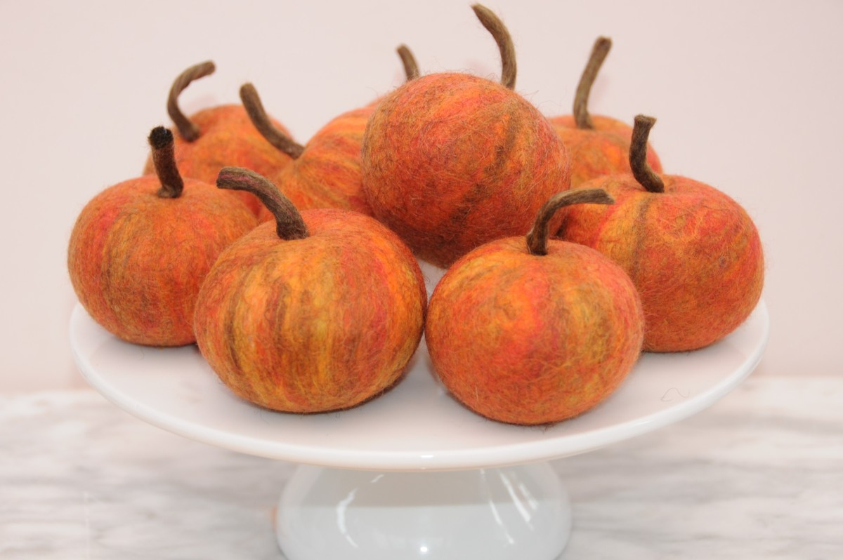 How to Make Wet Felted Apples in a Tumble Dryer