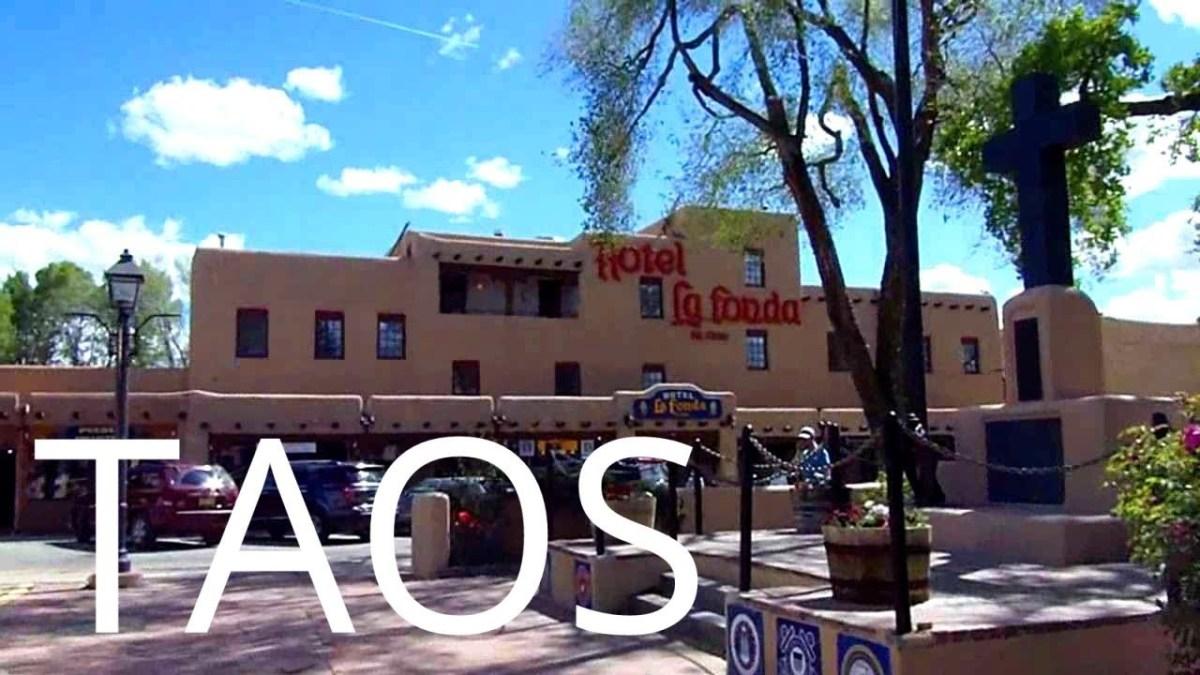 Taos, New Mexico.  The Plaza