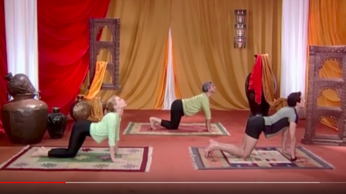 Drop the belly toward the floor and raise the head.