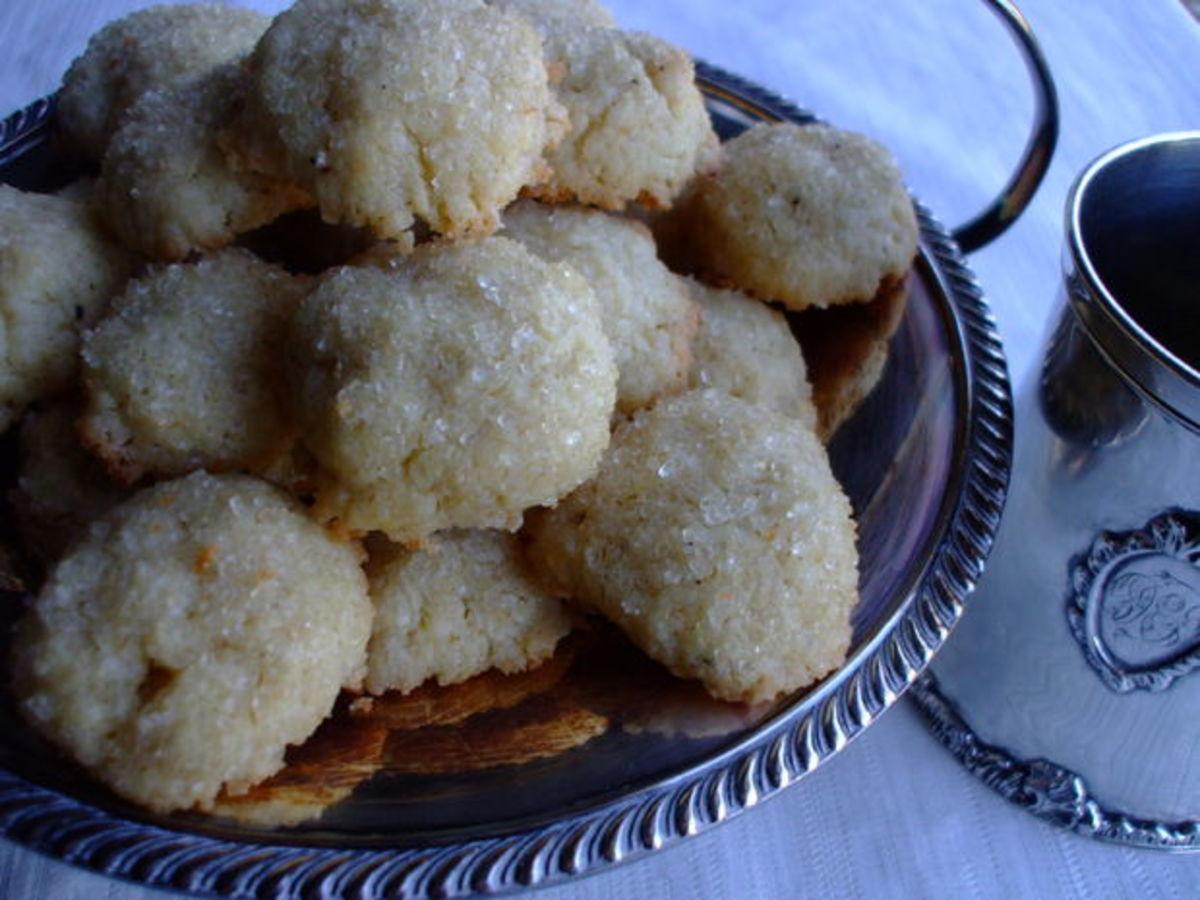 Elizabethan bridal cakes