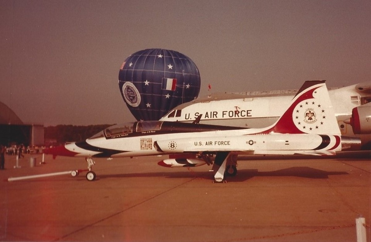 USAF legacy T-38 in Thunderbirds markings, Andrews AFB, May 1983.  The USAF Thunderbirds started flying F-16s this year.