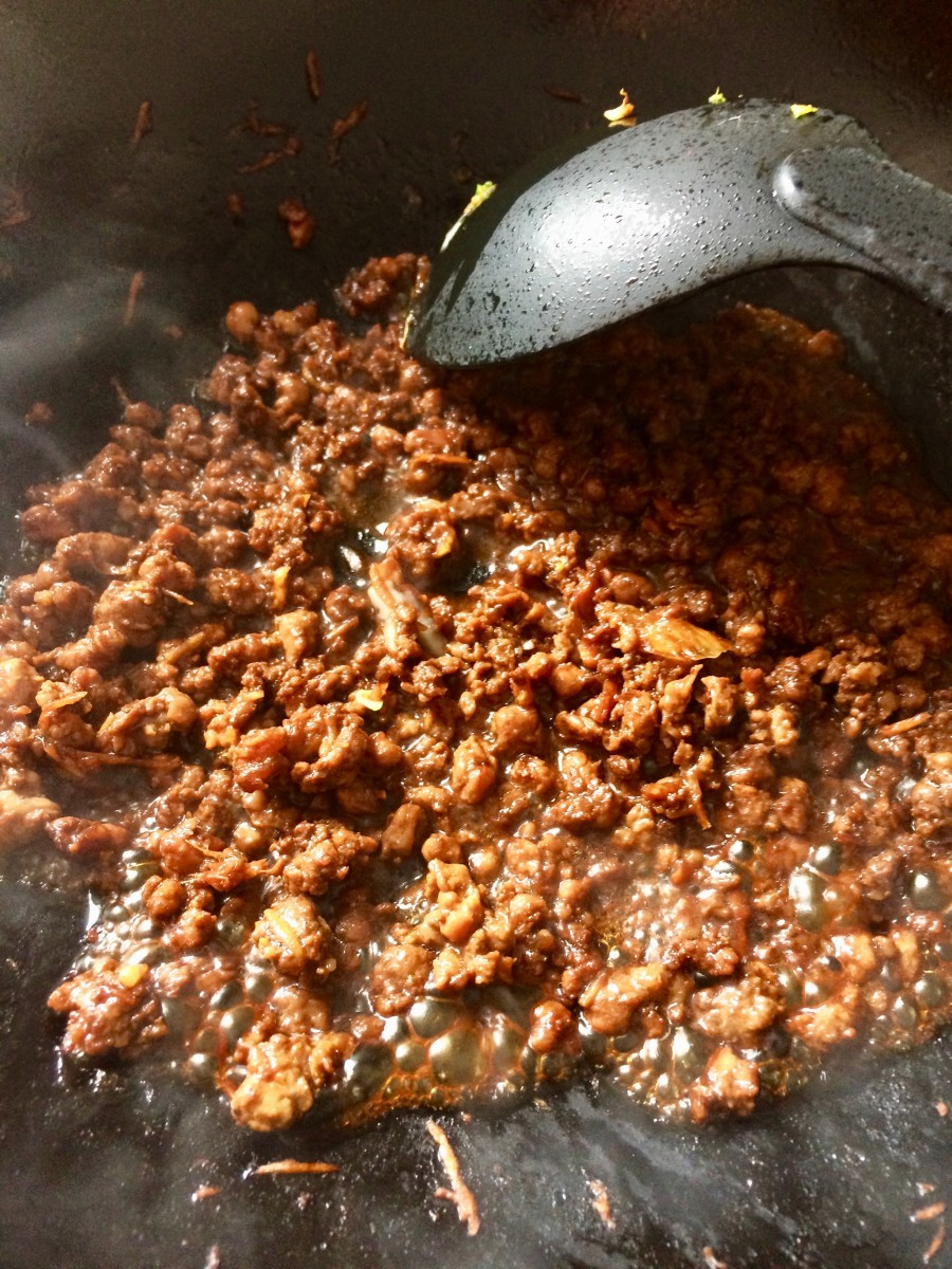 Cooking the minced pork
