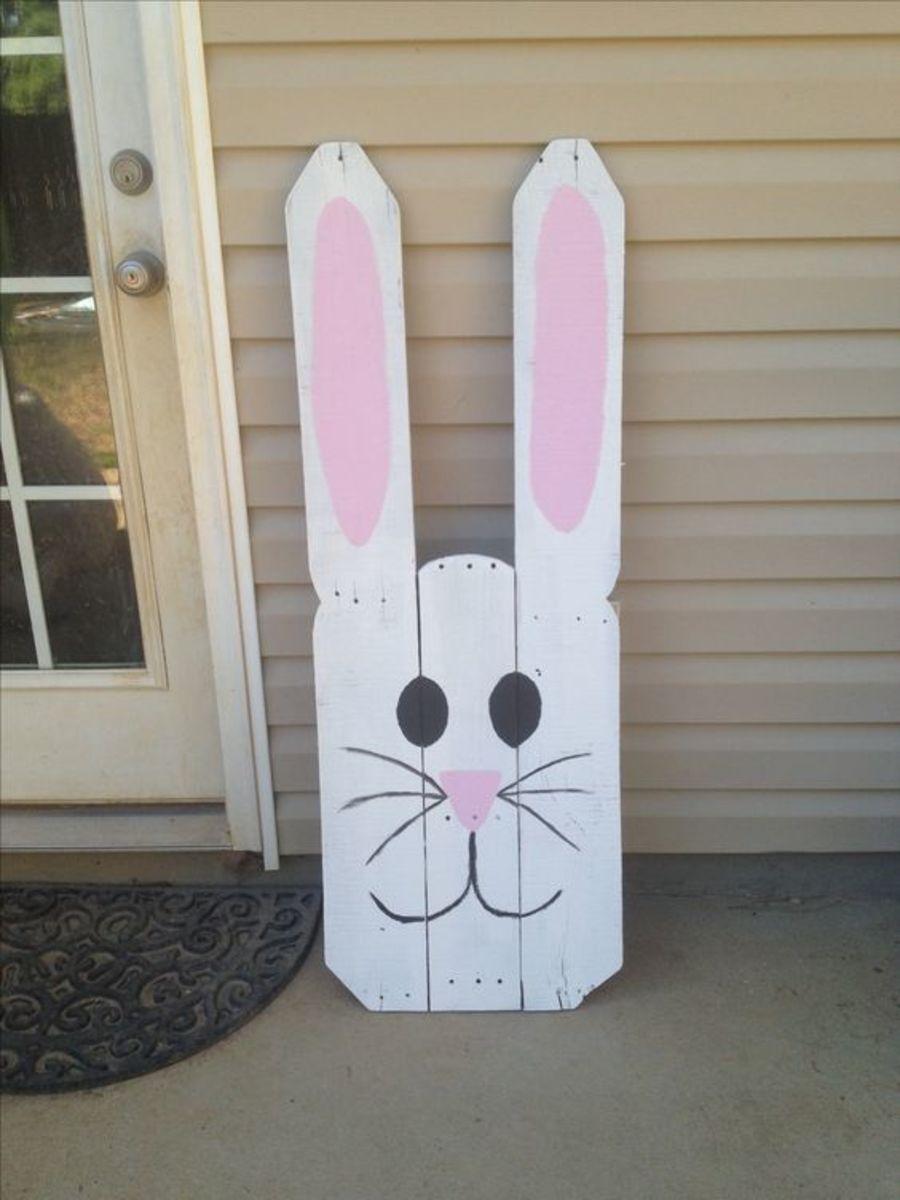 DIY Pallet Easter Bunny Decor | Easy Easter Crafts for Kids to Make