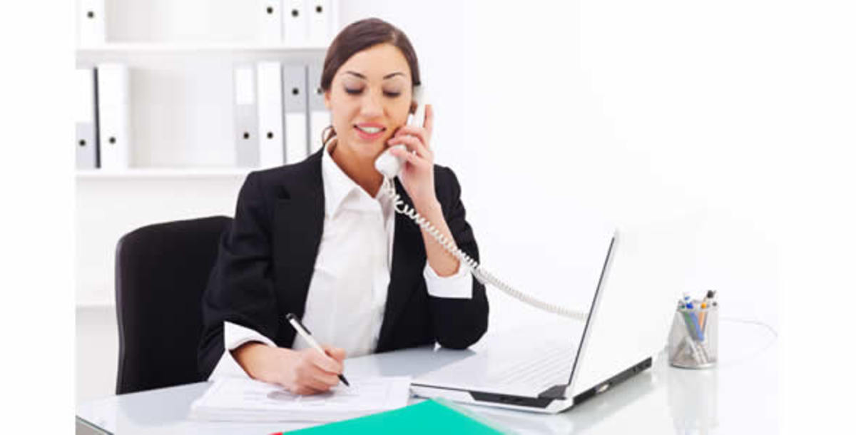 receptionist-jobs-if-you-love-aministrative-work-consider-being-a-receptionist