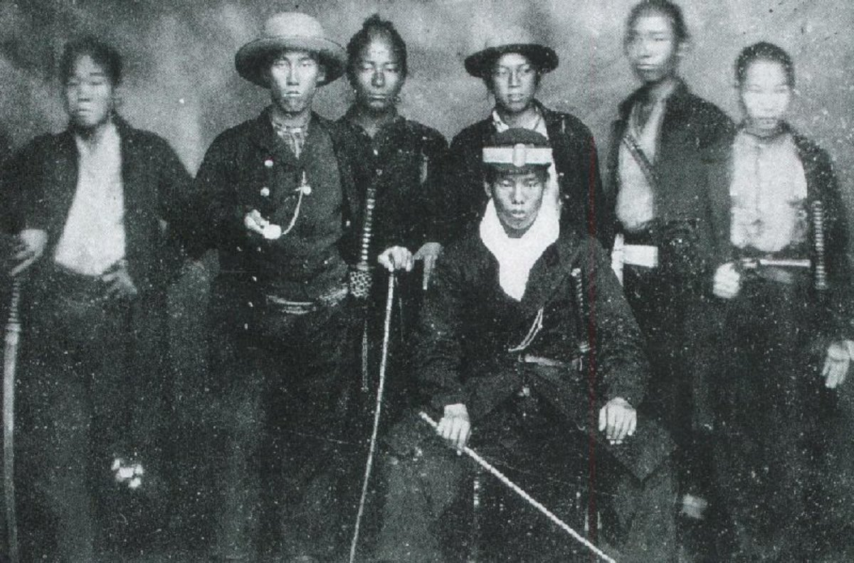 Takasugi among his Kiheitai.
