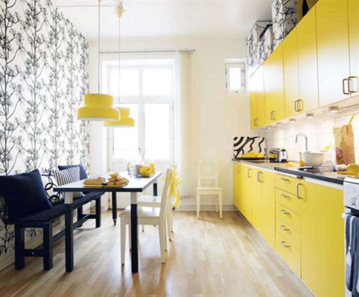 Cheery yellow kitchen