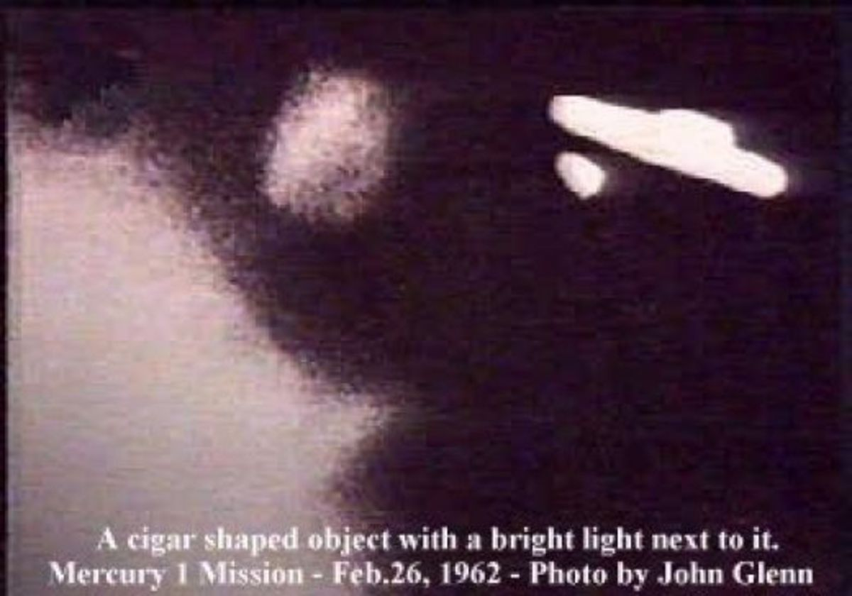 John Glenn saw this UFO and later, small beings of light outside of his capsule window.