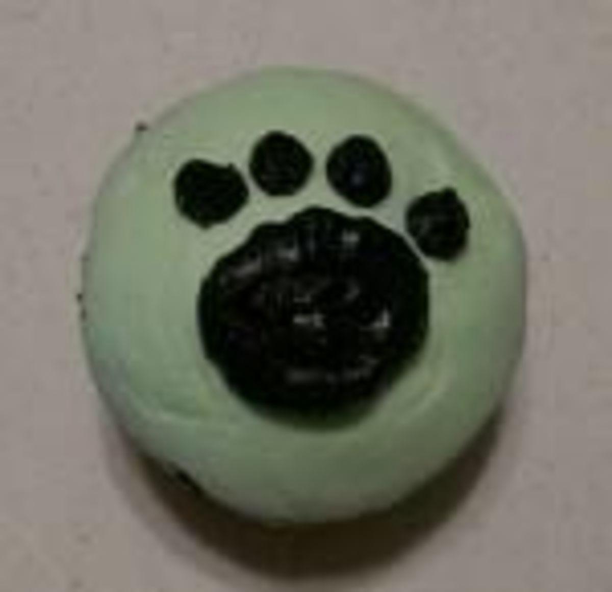 Simple Paw Print Cupcakes