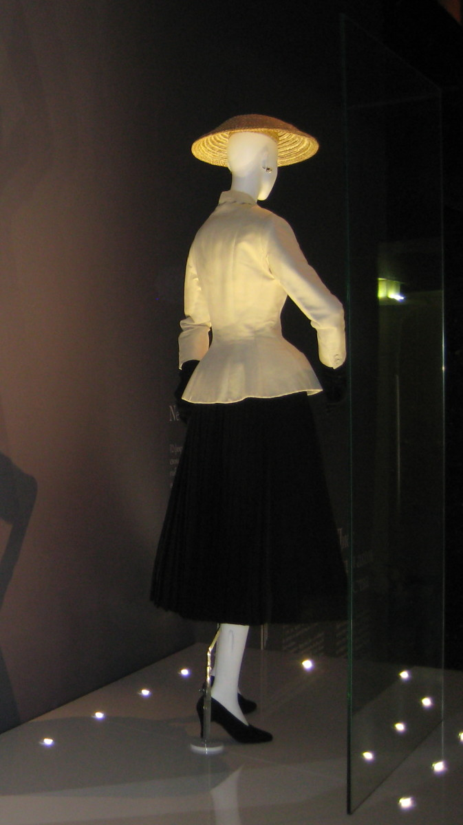 """Bar suit"" from 1947, Dior's ""New Look"" (Corolle collection, Spring/Summer 1947)"