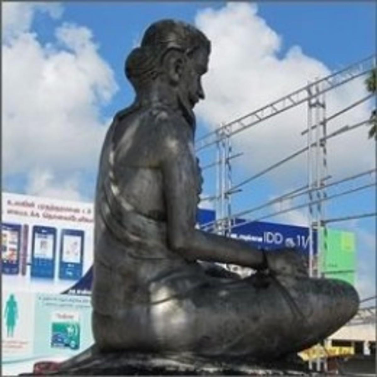 Thiruvalluvar statue at Jaffna