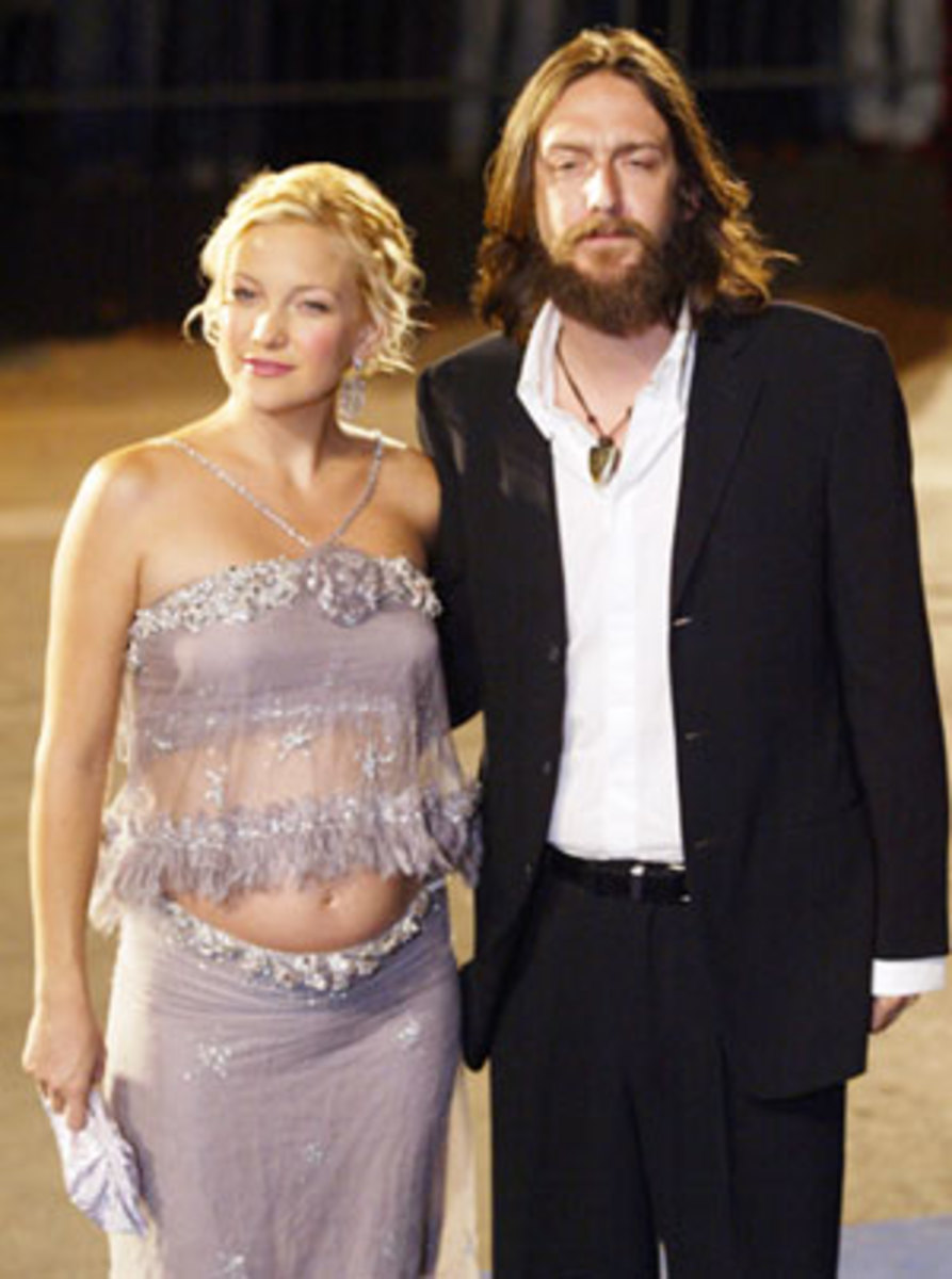 kate hudson pregnant pictures. Kate Hudson pregnancy picture