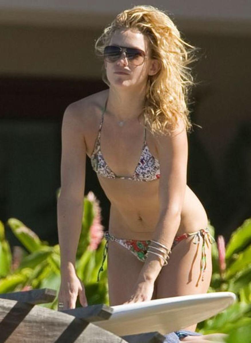 kate's bikini pic