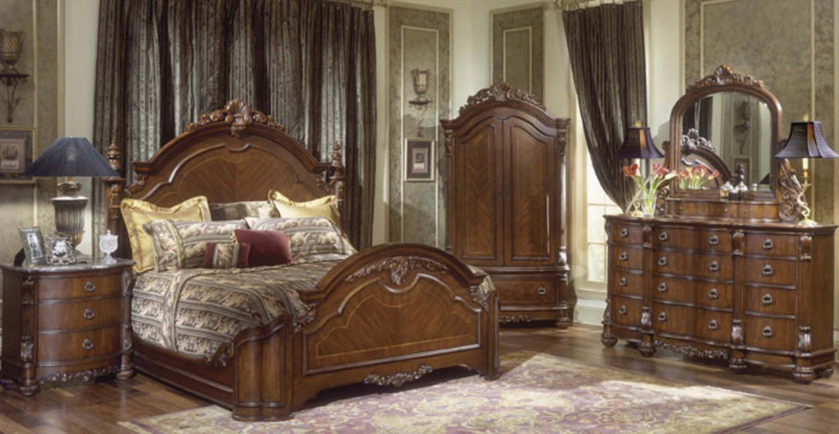 'Hampton Court' Mansion Bedroom Collection By Collezione Europa