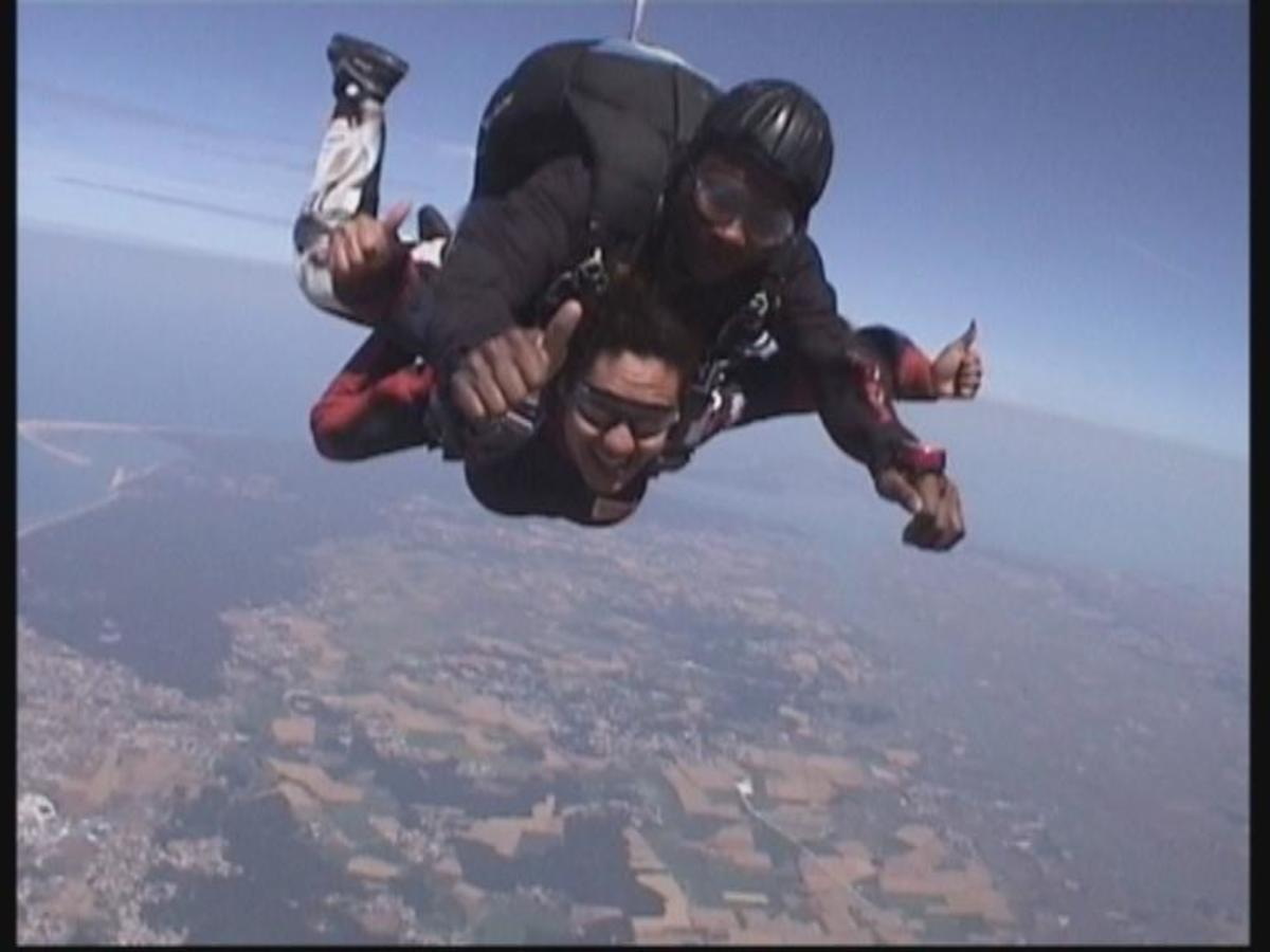 Wendy Skydiving