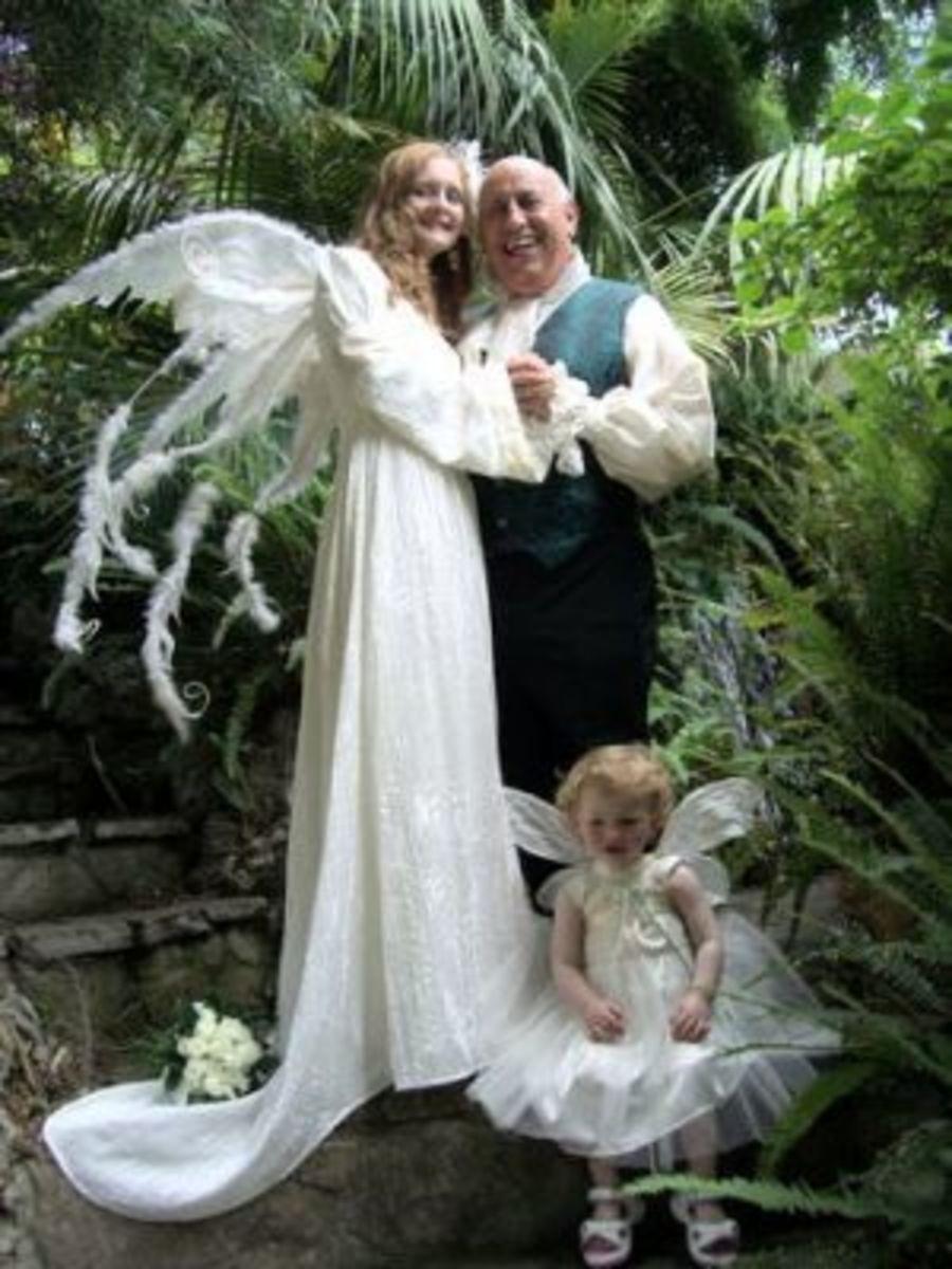 A complete fairy-themed wedding! [fairiesworld.com]