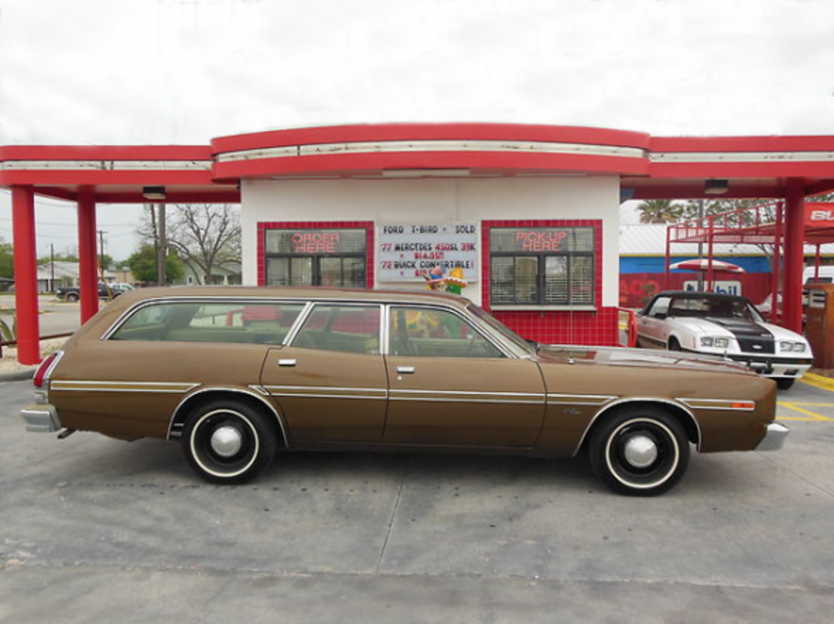 1977 Dodge Monaco Station Wagon