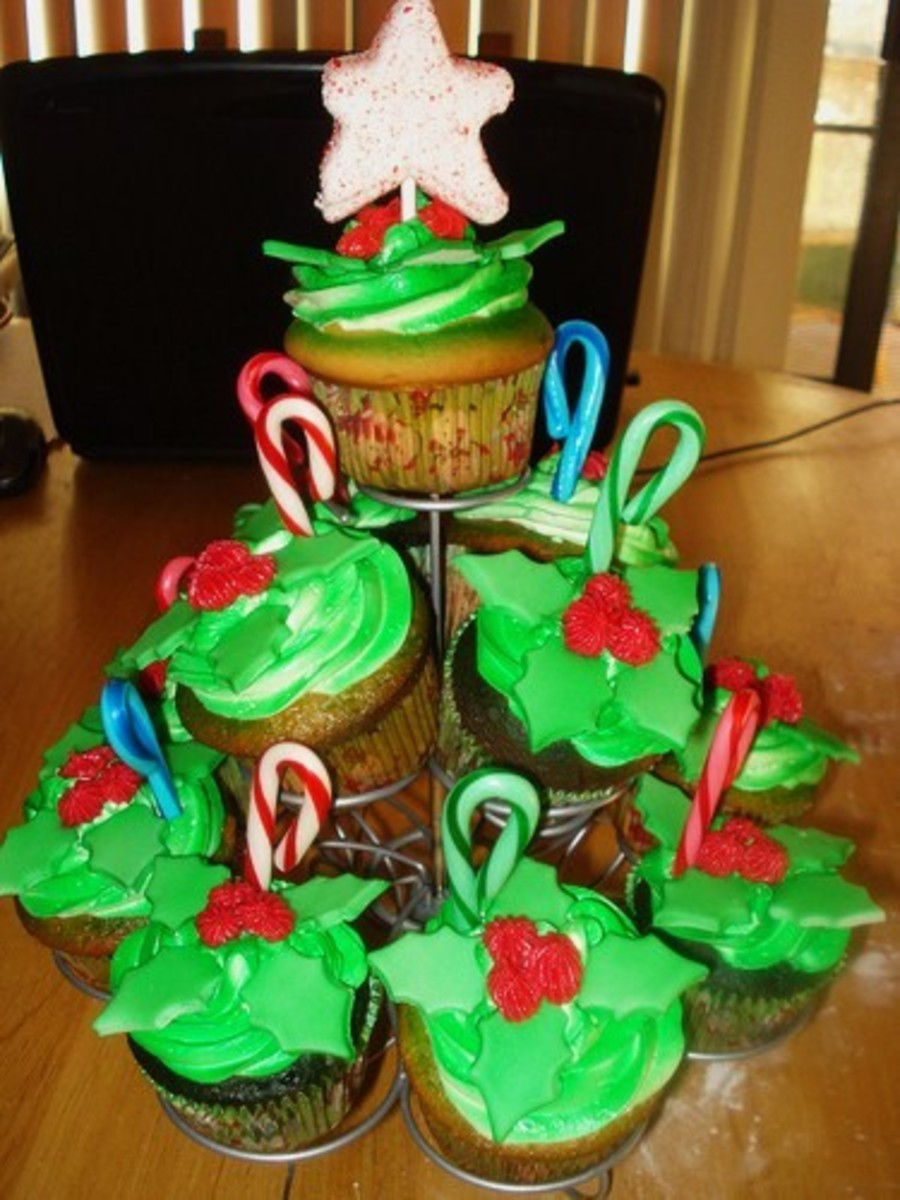 Holiday Cupcake Tree