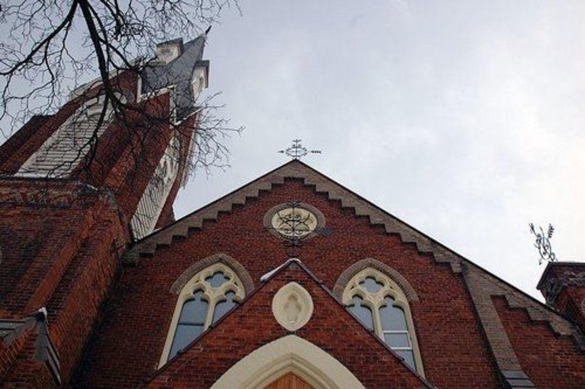 The Hollows Church