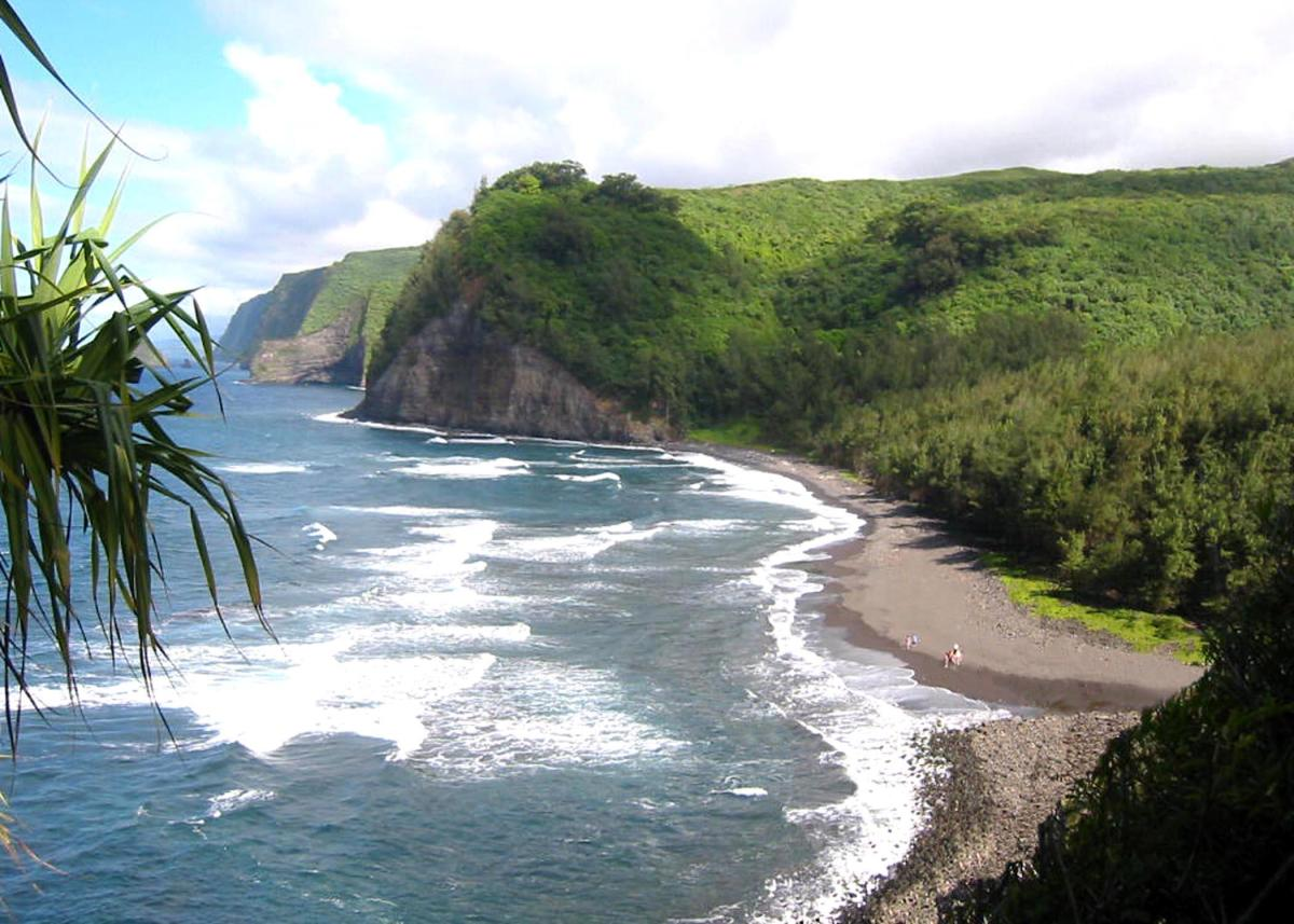 Pololu Beach - another secret beach in Hawaii