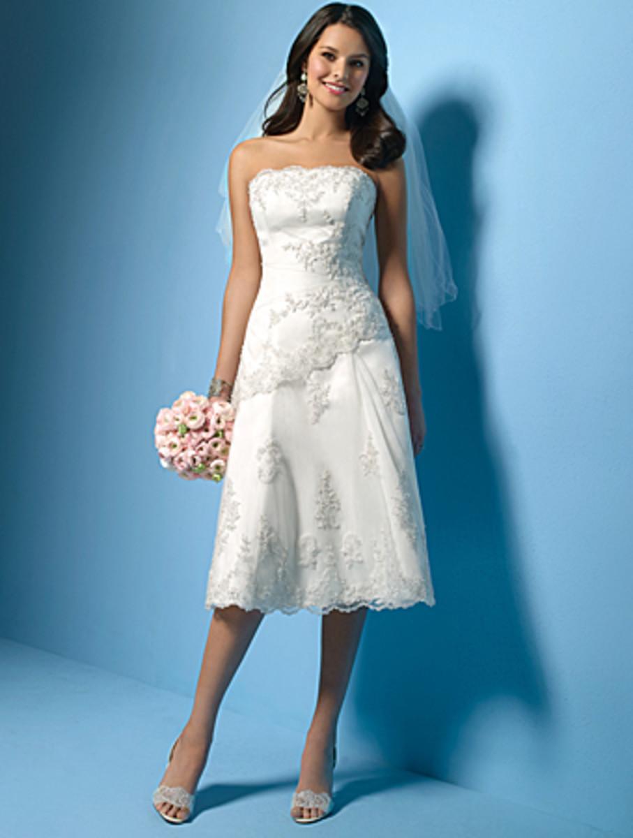 "photo credit: myweddingshop.com    ""teawd018     Size:2-28/Custom    Color: white/ivory    Fabric:    Satin, tulle, lace, beading     Price:US$145"""