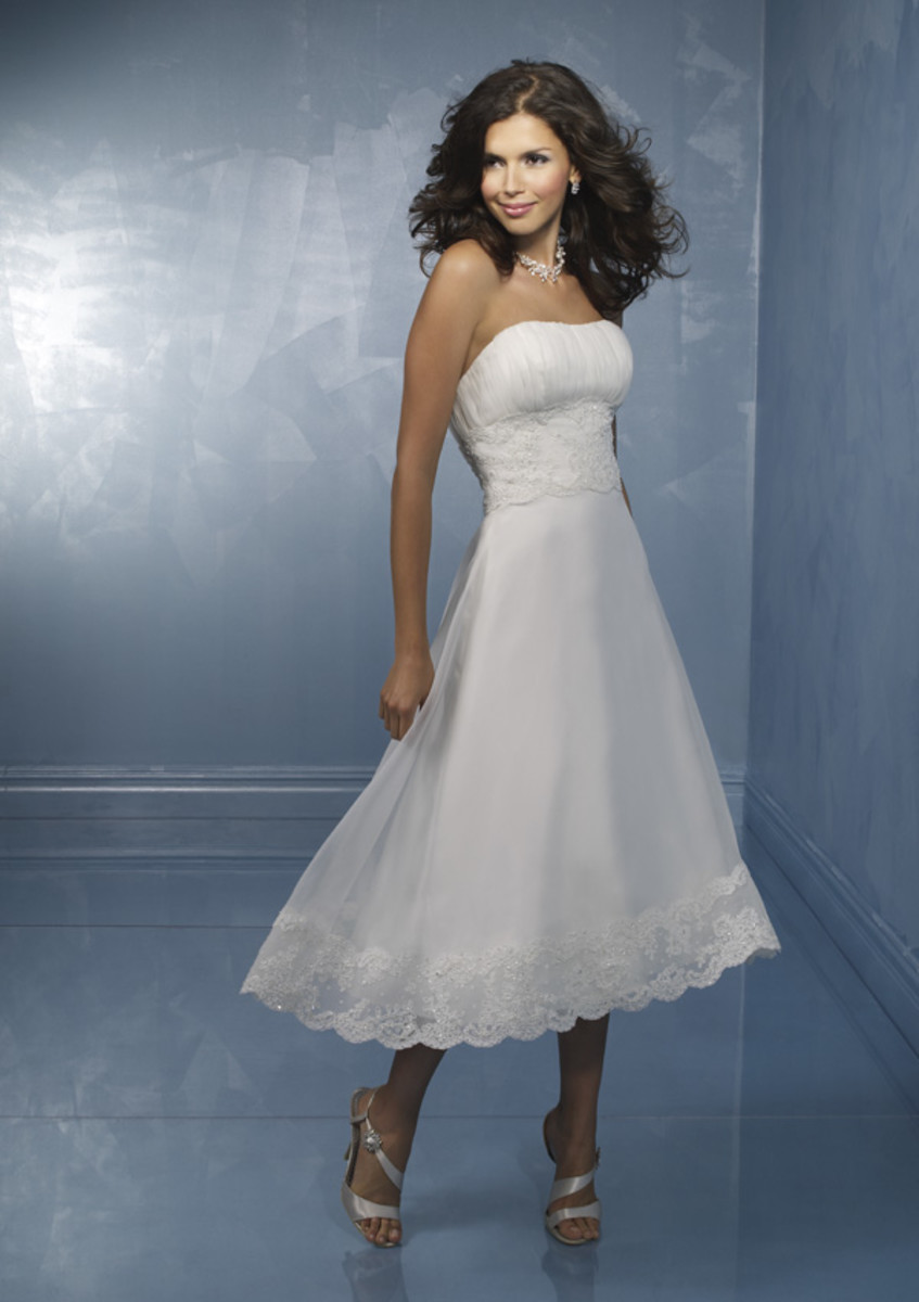 "photo credit: myweddingshop.com    ""teawd002     Size:2-28/Custom    Color: white/ivory    Fabric:    Satin, organza, lace     Price:US$215"""