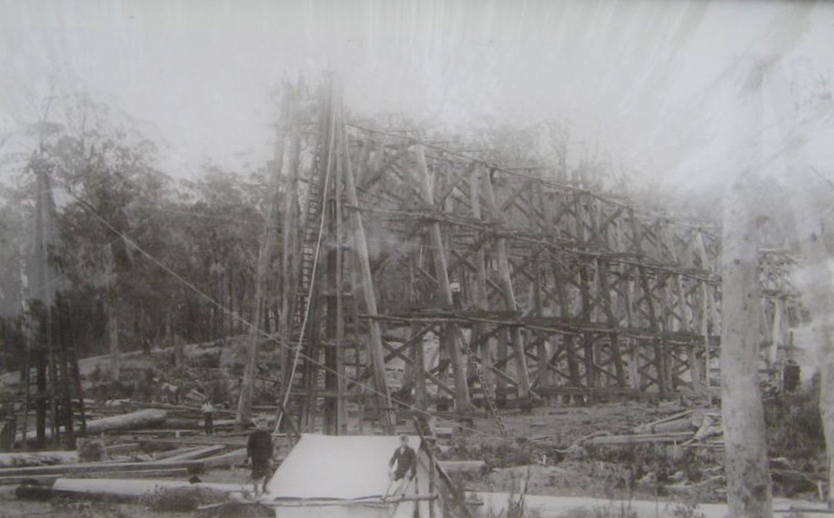 An early photo showing the precarious position of the workers when building the Stony Creek Trestle Bridge