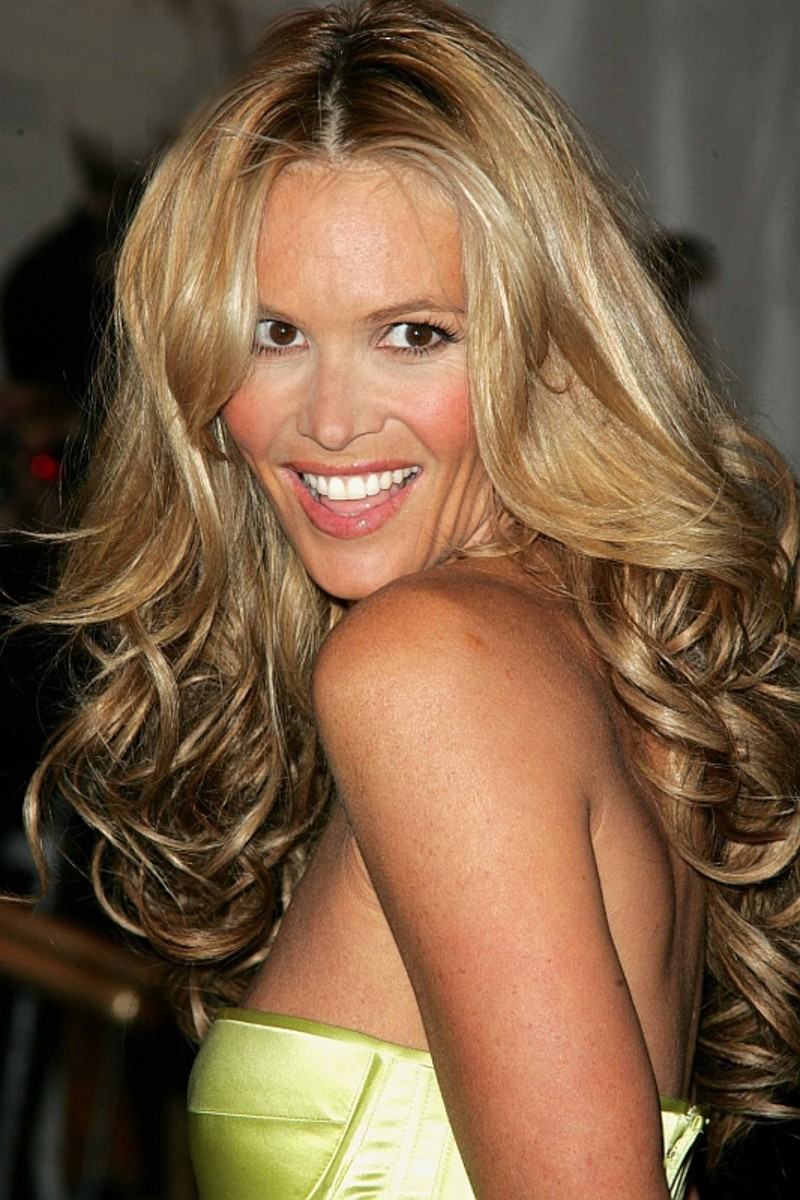Elle Macpherson - Beautiful Women Over 40