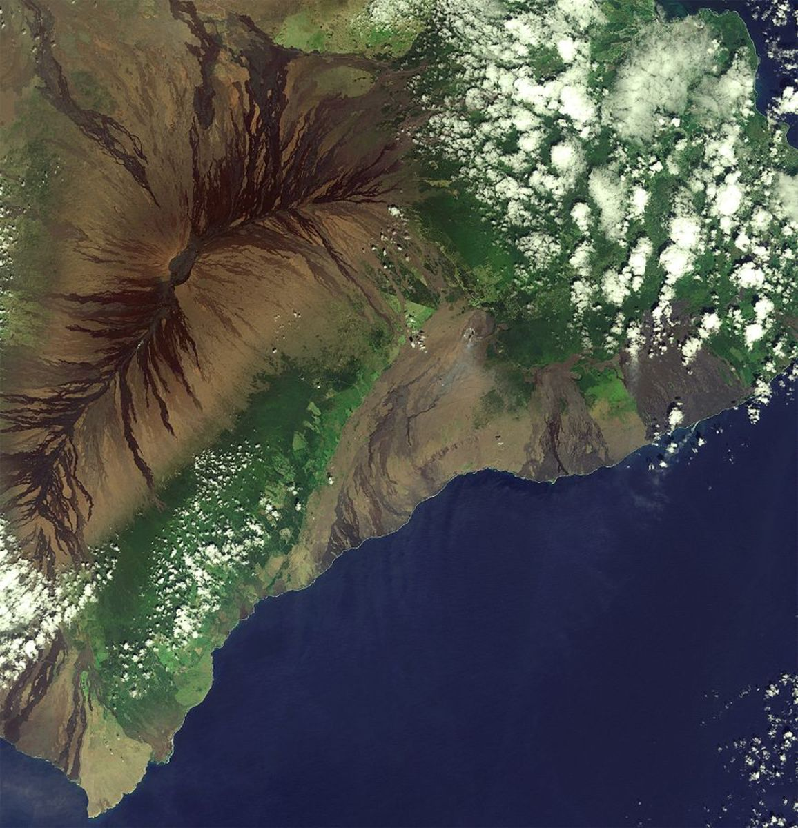 The volcanic landscape of the largest island in the Hawaiian archipelago is pictured in this Sentinel-2A satellite image.